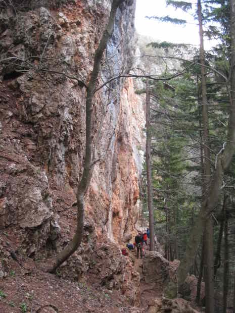 Felswand und Kletterer