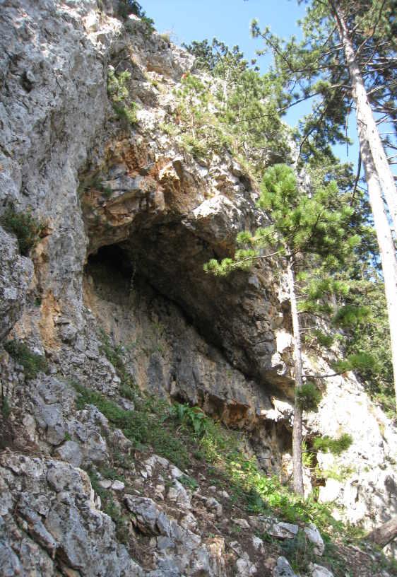 höhlenartige Nische